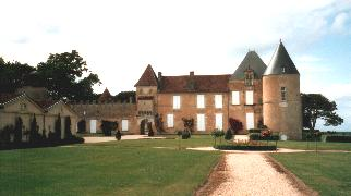 Chateaux and Vineyeards
