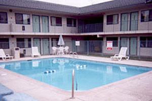 Motel 6 Douglas Douglas