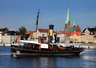 S/S Bear sail today from Elsinore with passengers Danmark